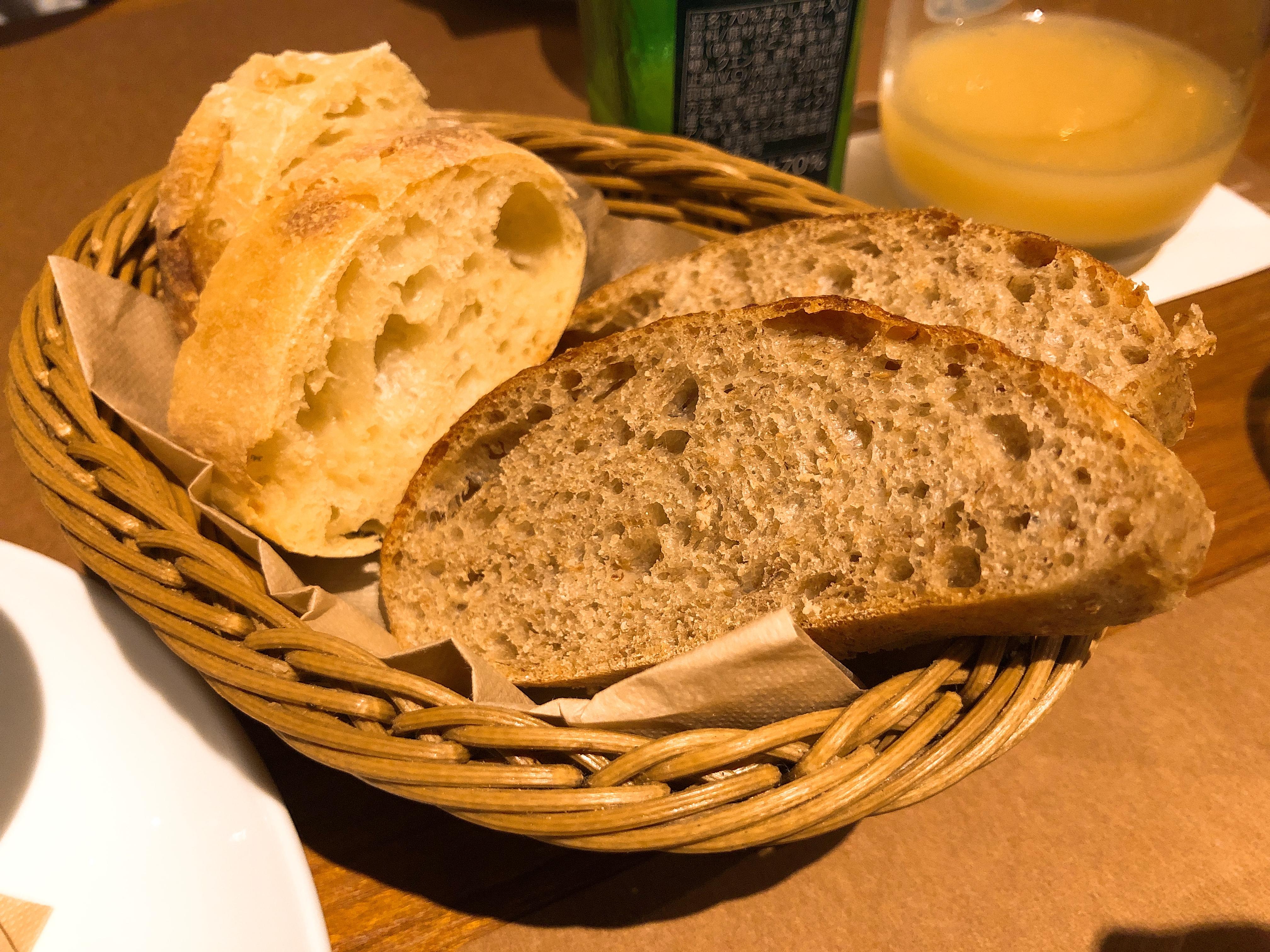 お通しのパン